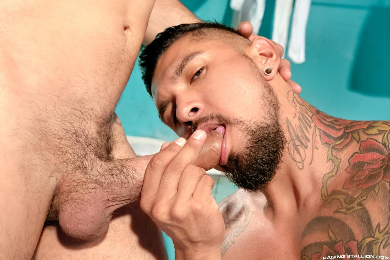 Raging-Stallion-Boomer-Banks-and-Ray-Han-Fucking-With-A-Big-Uncut-Cock-Amateur-Gay-Porn-01 Boomer Banks Fucking Ray Han With His Huge Uncut Cock
