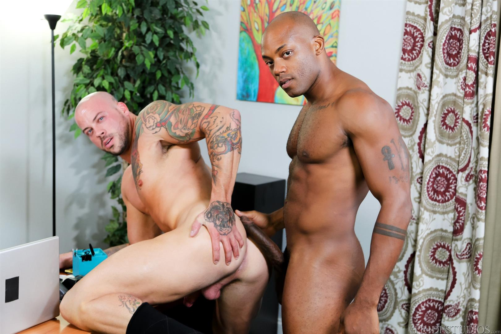 Sean-Duran-and-Osiris-Blade-Extra-Big-Dicks-Black-Cock-Interracial-Amateur-Gay-Porn-12 White Muscle Hunk Takes A Big Black Cock Up The Ass During A Job Interview