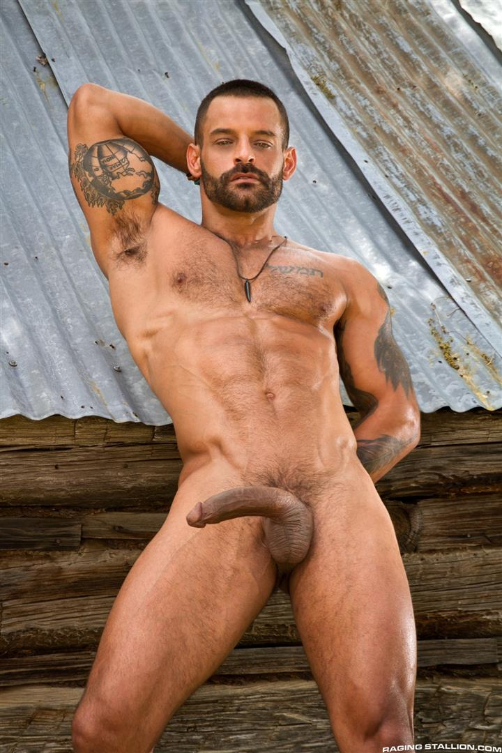 Raging-Stallion-Boomer-Banks-and-David-Benjamin-Big-Uncut-Cock-Fucking-Amateur-Gay-Porn-06 Boomer Banks Fucking In The Back Of A Pickup With His Big Uncut Cock