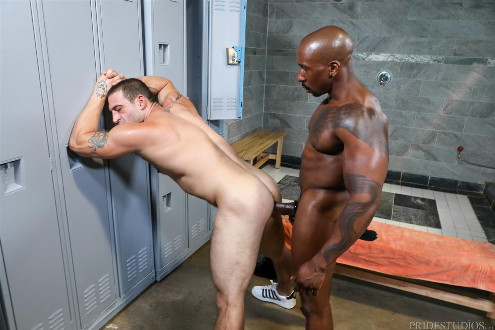 Extra-Big-Dicks-Max-Konnor-and-Ceasar-Ventura-Interracial-Bareback-Fucking-Big-Black-Cock-09 Cruising For Bareback Big Black Dick At The Gym