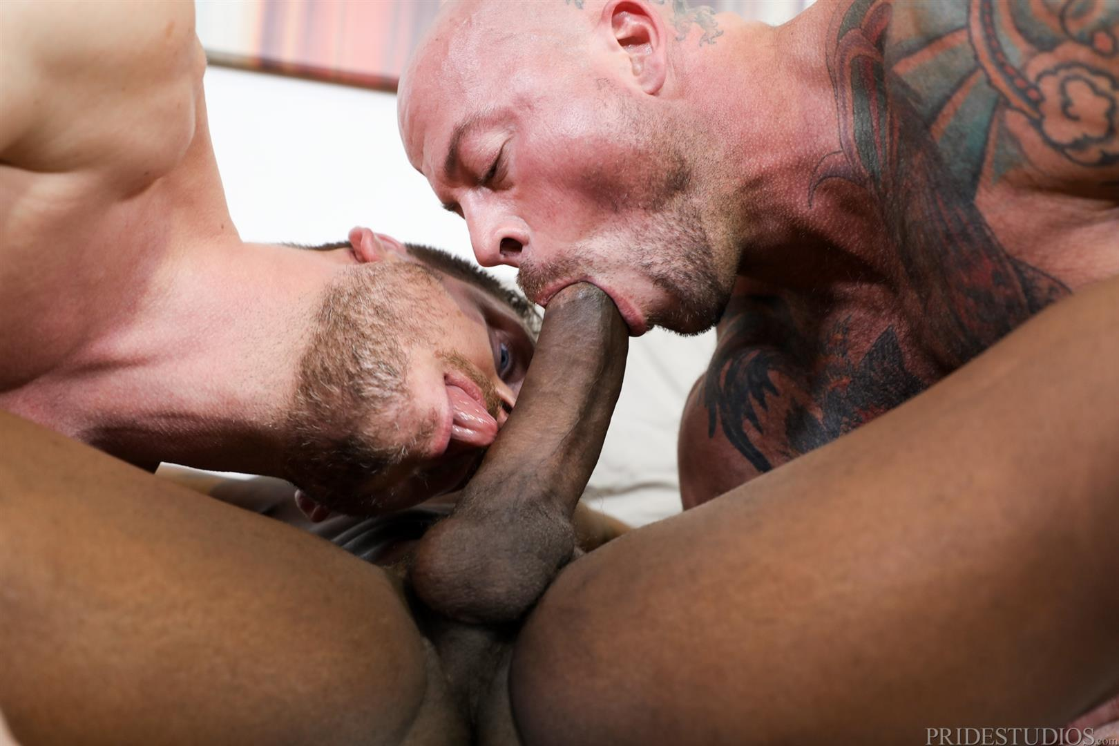 Extra-Big-Dicks-Sean-Duran-and-Hans-Berlin-and-Pheonix-Fellington-Interracial-Bareback-04 Muscle Daddies Sean Duran and Hans Berlin Share Pheonix Fellington's Big Black Cock