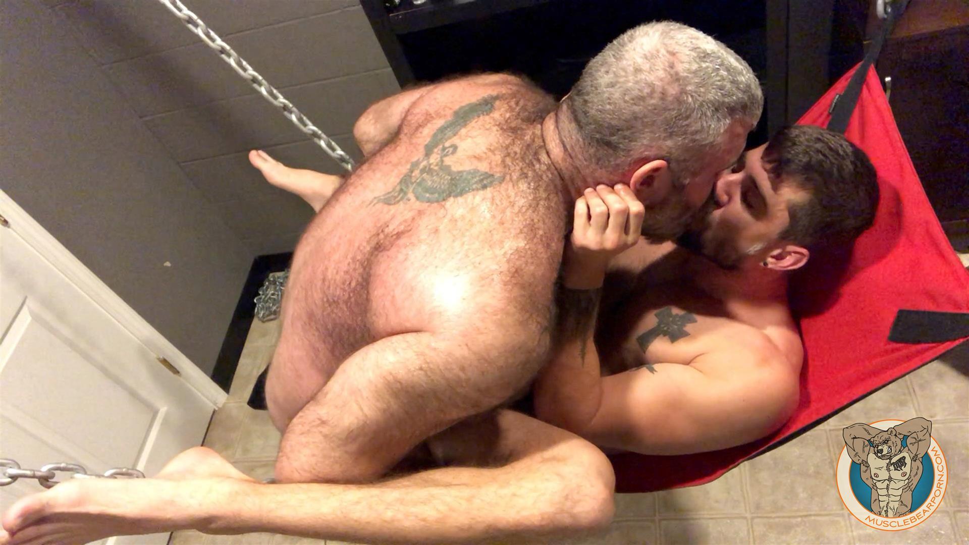 Bear Muscles Sex